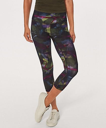 Wunder Under Crop Hi Rise Aura Dark Chrome Multi