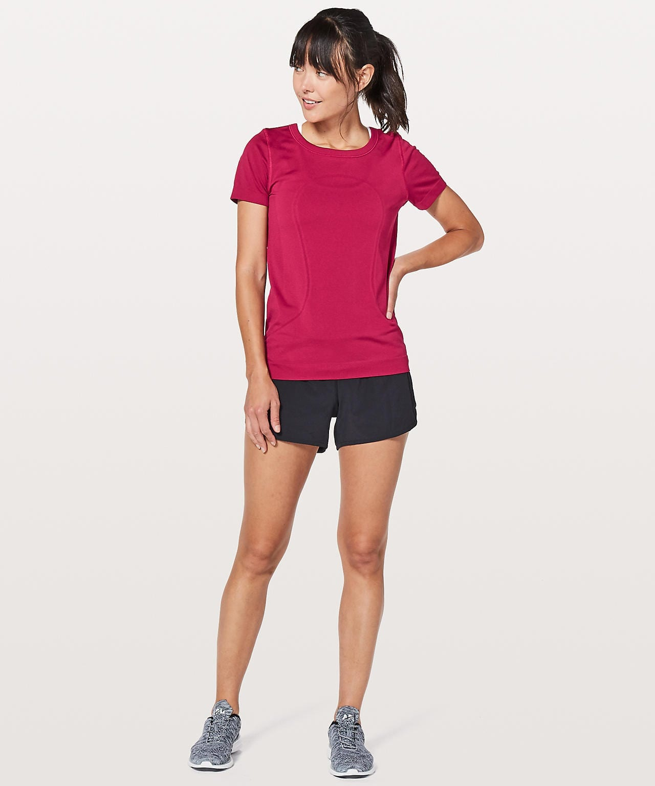 Swiftly Tech Short Sleeve (Breeze) Relaxed Fit
