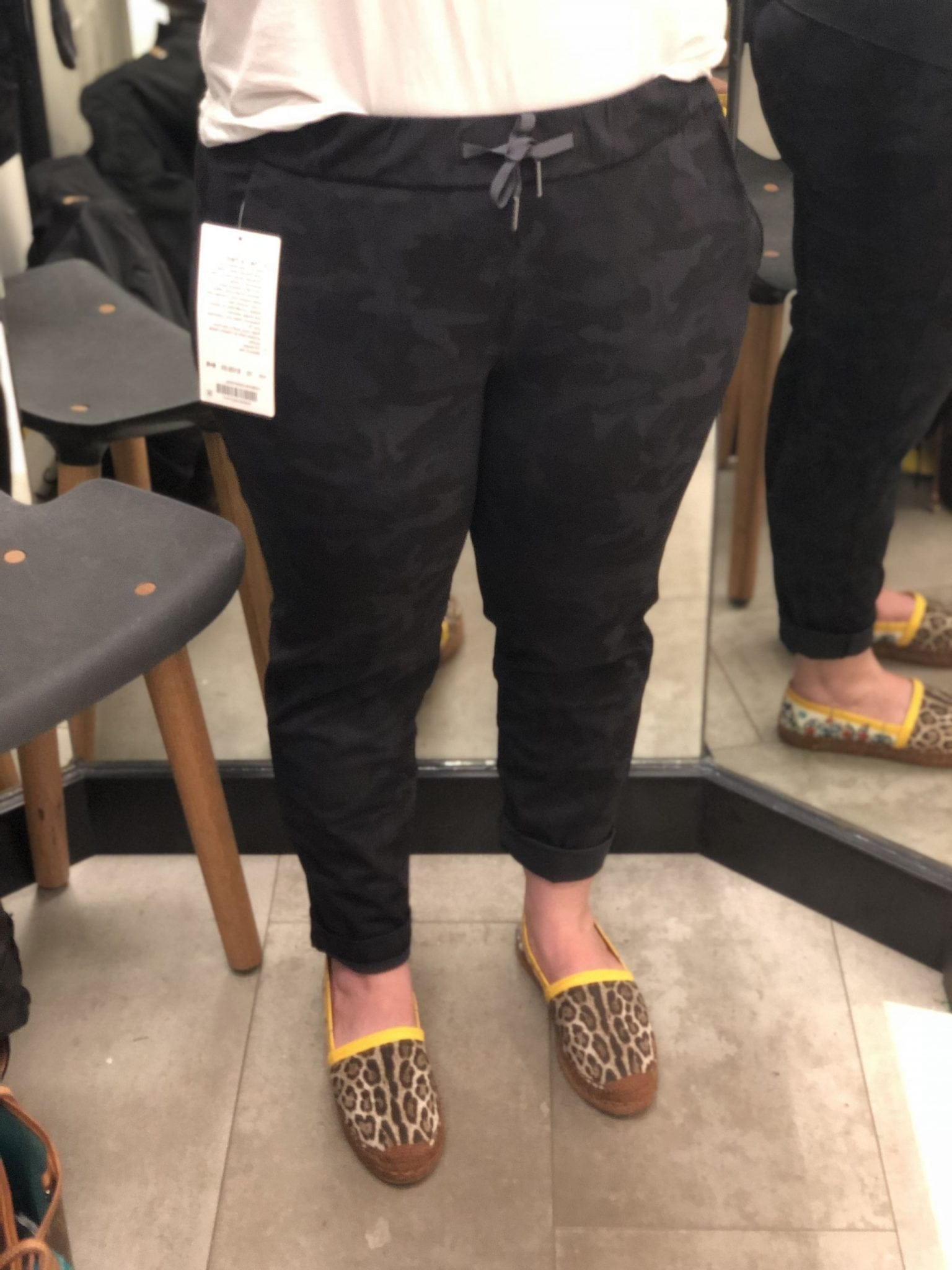 Lululemon Dressing Room Try-Ons, On The Fly Pant, Incognito Camo Multi Grey